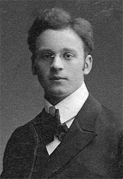 Franz Esser als Abiturient in Köln, 1910 (Foto H. Schlüter, Köln)